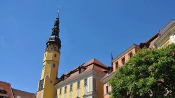 Rathausturm am Hauptmarkt neben der Touristinfo